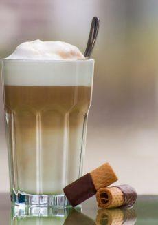 Latte-Macchiato-Mütter pixabay.com © maitemara (CC0 Public Domain)
