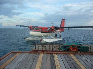 Wasserflugzeug am Steg von Velidhu